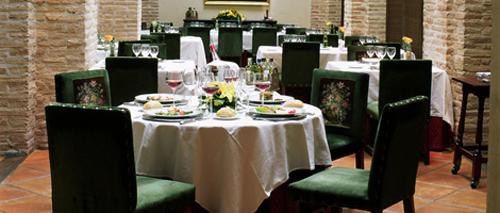 28 04 Parador de Olite restaurante